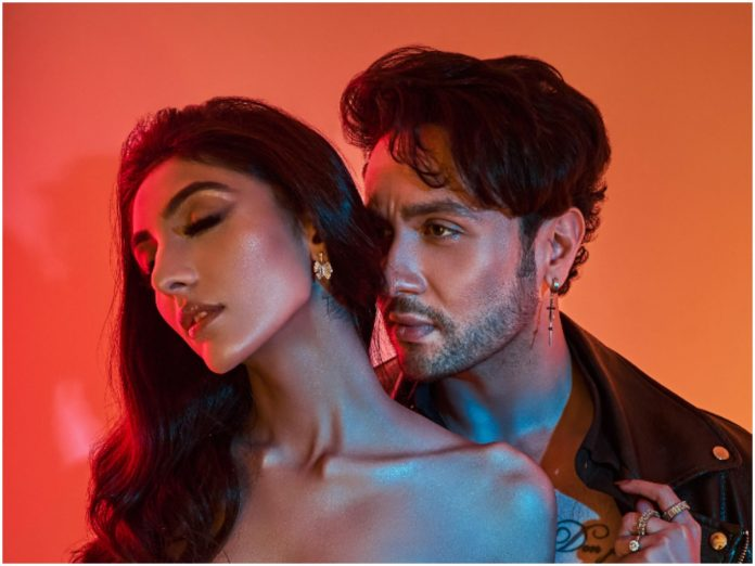 Presented by Eros Now Music & composed by Giri G!, Jab se Dekha is Adhyayan Summan's next single starring the fresh face of Bollywood - Mallaikaa Chheda
