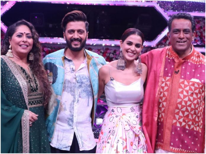 Super Dancer Chapter 4 | This weekend, adorable Bollywood couple Riteish Deshmukh and Genelia D'Souza grace the sets of Super Dancer Chapter 4 to celebrate 'Shaadi Special' episode